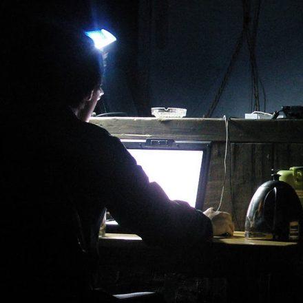 晚上工作的黑客